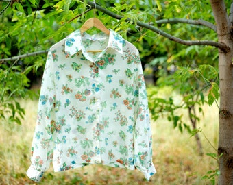 Vintage  floral blouse Plus Size top ivory flower print blouse  summer blouse large size long sleeves buttons down hippie top 60s