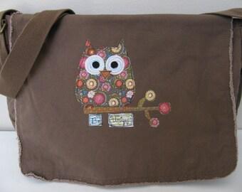 Messenger Bag, Canvas Messenger Bag, Brown Messenger Bag, Book Bag, Diaper Bag, School Bag, Owl Theme,  Appliqued Owl Messenger Bag