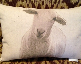 Sheep Pillow / Marilyn