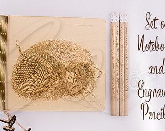 Moelleux chaton naturel contreplaqué cahier et crayons gravés 4 ensemble