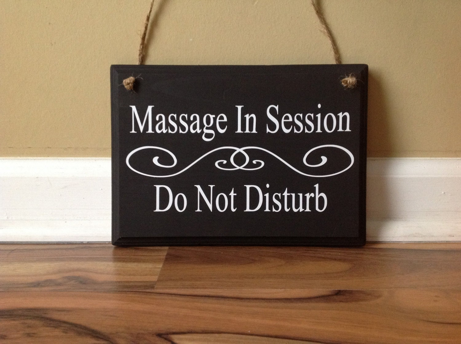 Massage In Session Do Not Disturb Closed Do Not Enter In No
