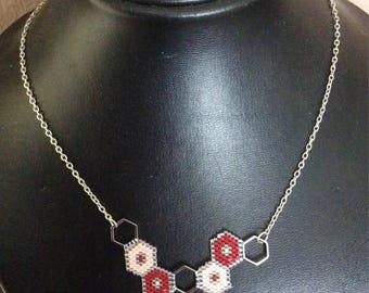 Miyuki Delica's geometric necklace hexagrams peyote