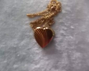 Vintage Heart Rolled  Gold Necklace  BEAUTIFUL