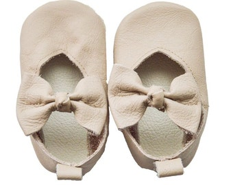Genuine Leather Baby Moccasins   V-pump leather shoes {Sand}