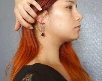 Boucles d'oreilles cotte de maille et cristal à facettes noir