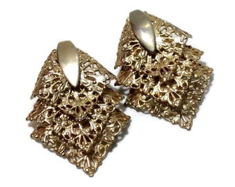 Vintage Sarah Coventry Gold Filagree Clip Earrings