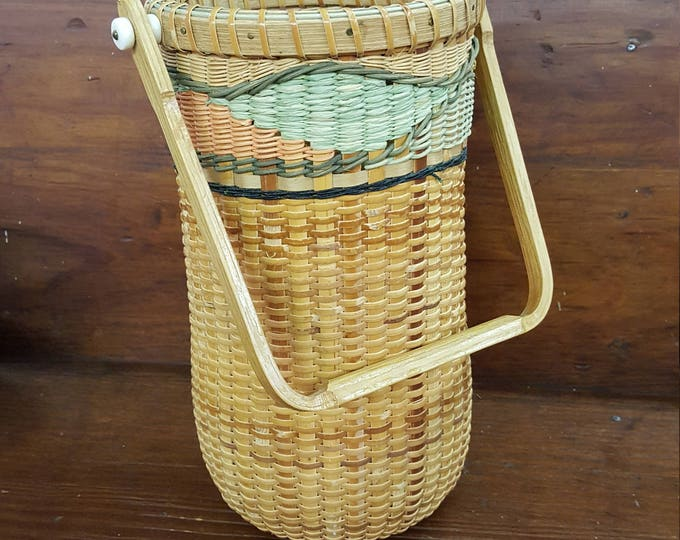 Elizabeth Geisler 1996 Signed and Numbered Art Basket Nantucket Style Tall Oak Bone Handle