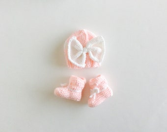 Booties and Hat set, crochet booties, knitted big bow hat, Pink/White, Big Bow hat and bootieS set, size newborn
