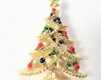 25% OFF SALE Gerrys Christmas Tree Pin Vintage