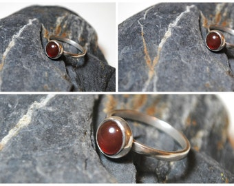 Sterling Silver Carnelian cabochon band ring size P
