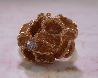Vintage Avon Flower Ring Gold Tone with Diamond Rhinestone Size 5