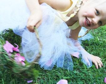 Barefoot Flower Girl Basket, Wild Honeysuckle Twig Basket, Moss Lined Basket, RLEH