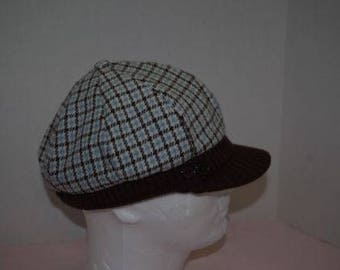 Vintage Womens Hat Houndstooth Cabbie Cabby Knit type Bill with 2 buttons