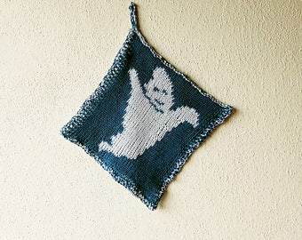 Double knitting pattern ghost potholder, friendly ghost in two colors of cotton yarn, double-sided mirrored colors, Halloween decoration