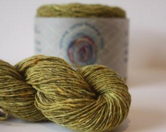 Spinning Yarns Weaving Tales - Tirchonaill 581 Celery 100% Merino 4ply
