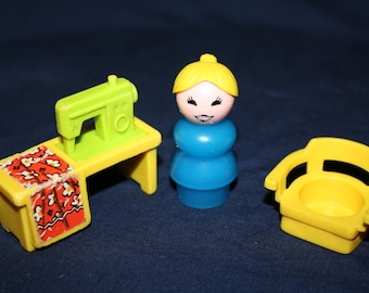 1970's FISHER PRICE 725 Utility SEWING Machine Yellow Chair Plastic Mom