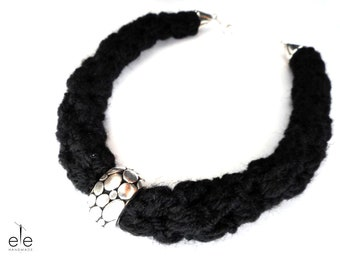 Knitted necklace made of wool 80% - Izzys