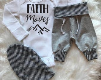BABY BOY/Baby Boy Coming Home Outfit/Baby Shower Gift/Baby Boy Clothes/Beanie/Newborn Boy/New Mom Gift/Baby Gift/Newborn Romper/Jogger