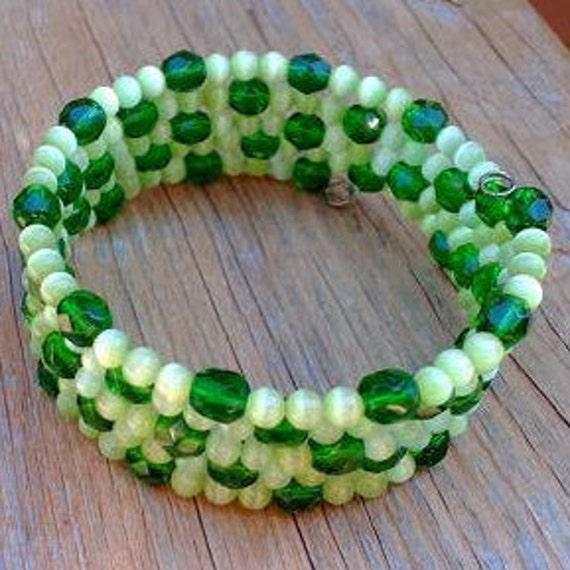 Green Memory Wire Bracelet, Thick Green Beaded Bracelet, Chunky Summer Jewelry, Lime Sherbet