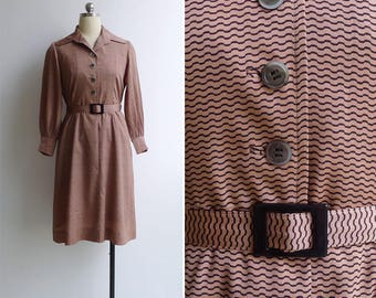 Vintage 70's Mauve Pink Zig Zag Print Collared Shirt Dress with Belt M or L