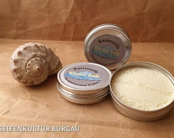 Shaving soap with back oiling Lanolin