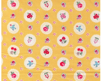HALF YARD Yuwa - Scalloped Medallions on YELLOW - Berry, Cherry, Bird, Rose, Flower - Atsuko Matsuyama 30s collection - Japanese Import