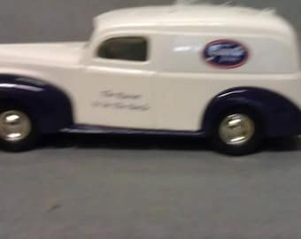 Joseph L. Ertl Scale Model Grapette 1940 Ford Sedan Delivery Grapette Bank