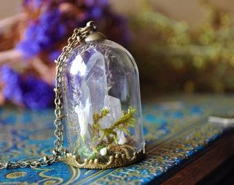 Precious Avalon * bronze jar Moss terrarium necklace, quartz and dried flowers