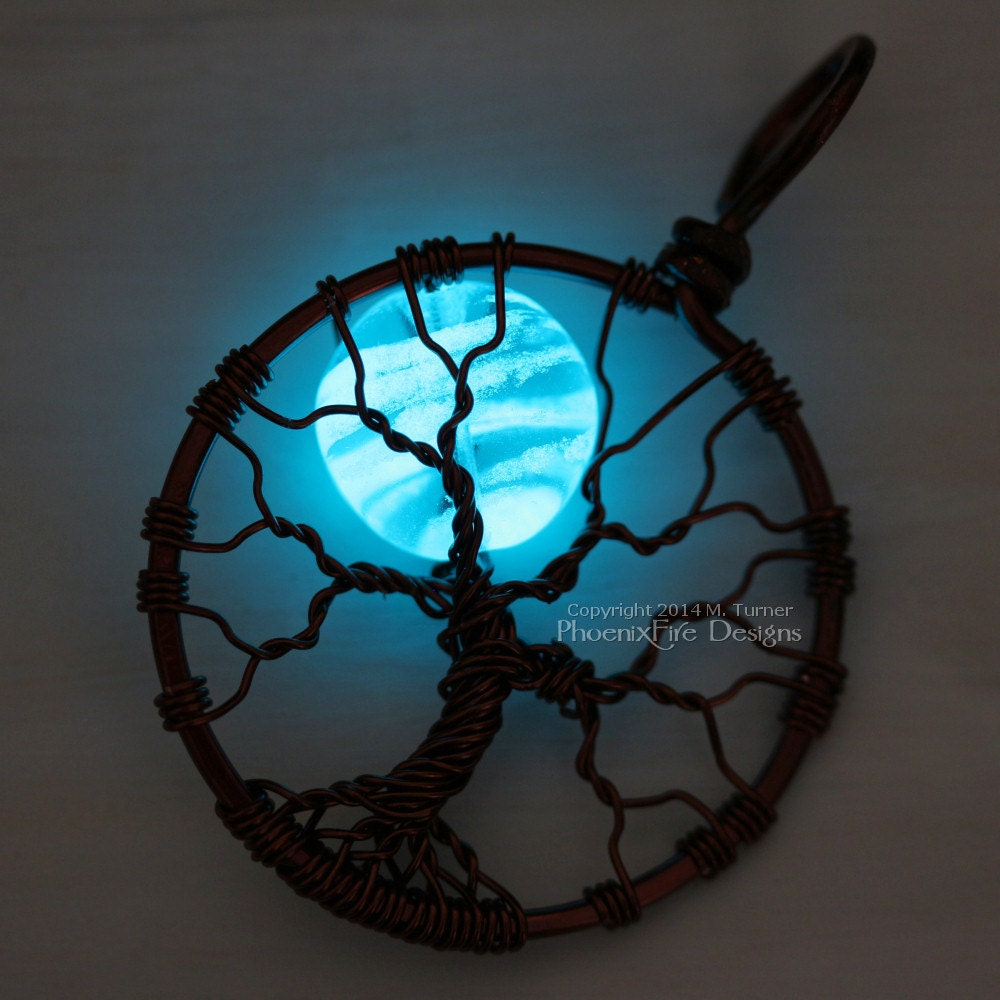 crec moon my glow green hobbits necklace products crescent