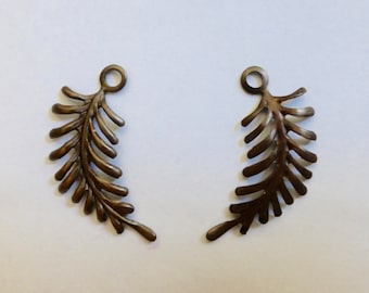 Vintage Look Brass Curved Fern Frond Stamped Finding  28x14mm (4)
