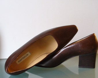Ann Taylor Made in Italy Ladies Chocolate Brown Pumps Size 7.5M