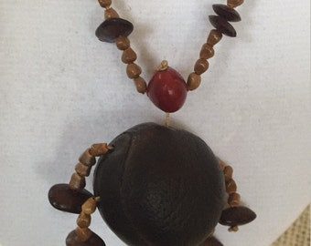 Unique mixed materials vintage necklace - with wood/seeds - tribal, Native American style