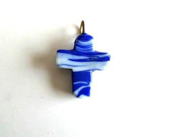 Pendant glass shape 25 x 30 mm blue and white cross