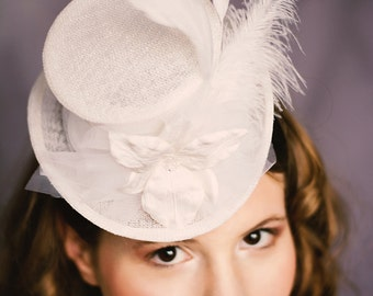 Bridal top hat orchid Pola white sinamay
