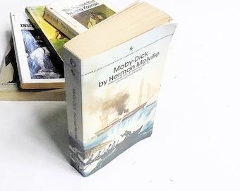 Moby-Dick by Herman Melville (1981, Bantam Books) Vintage Literature & Fiction Paperback