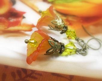 Flower Earrings, Primrose Yellow Flame Pantone Colors, Swarovski Crystal Jewelry, Antique Brass Earrings, Summer Jewelry, Summer Flowers