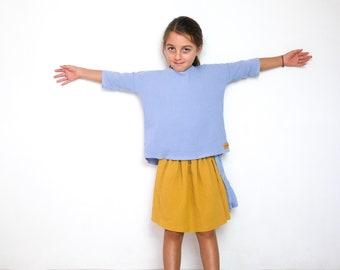 Blue yarn top