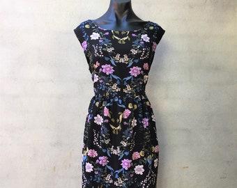 Floral tea dress. Flower dress. Knee length handmade dress. Gathered waist.