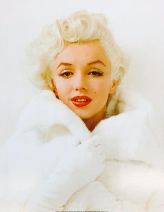 Marilyn Monroe in White Fur Coat Poster Print