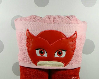 Toddler Bedtime Hero Owl Girl Hooded Towel - TODDLER Sized Bedtime Heroes Owl Girl Towel for Bath, Beach, or Swimming Pool