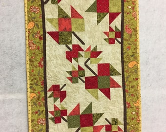 quilt table runner fall maple leaves pieced