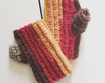 Ribbed self-striping fingerless mitts
