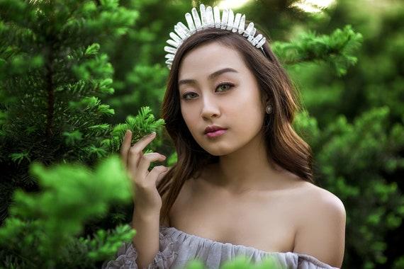 Crystal Crown. Quartz Crown. Bridal Crown. Crystal tiara. Wedding crown. Quartz point crown. Frosted Crystal Crown