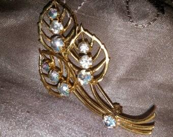 Beautiful Gold Tone Leaf Brooch With Rhinestones