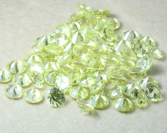 6mm Round Peridot Green Cubic Zirconia. AAAA Flawless graded. Light Green Colour CZ. Multi Packs. Precision cut. Calibrated sizing.