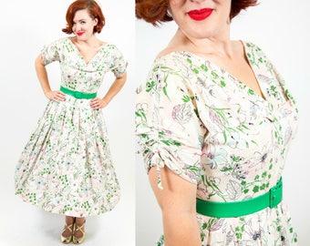 1950s Romantic Cotton Floral Print Dress - Medium