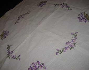 100% Cotton Hand Embroidered Tablecloth
