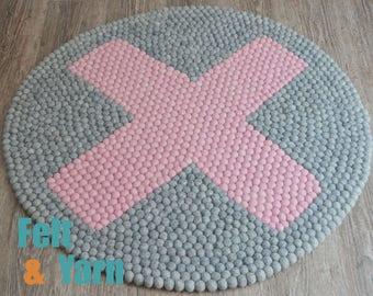 Natural grey felt ball rug with pink,felt ball rug, felt ball mat, round felt rugs, PomPom Rug, Teppich rund