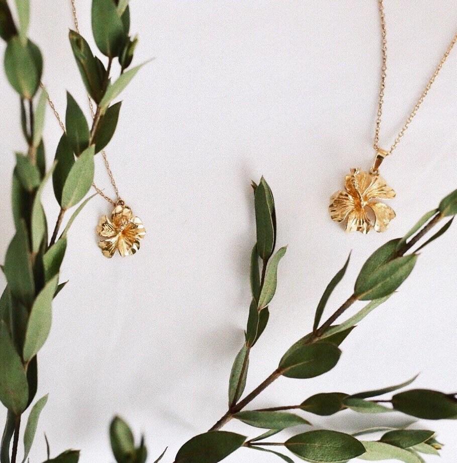 Golden hibiscus flower pendant in solid 14k gold dainty description boho hibiscus flower izmirmasajfo