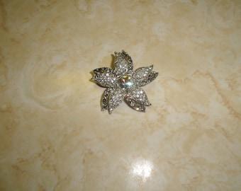 vintage pin brooch silvertone flower rhinestones